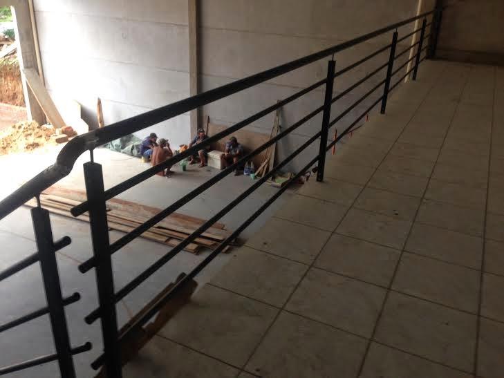 Preferência Ferrum Esquadrias: Escada de metal, com degraus de madeira tratada  UR07