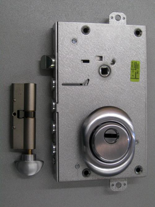 Sostituzione serrature padova fabbro per assistenza porte for Defender serratura