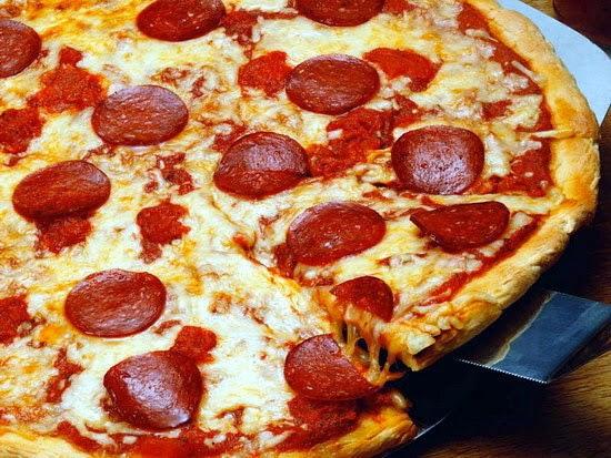 Mulher usa truque da pizza para se salvar de agressões do namorado