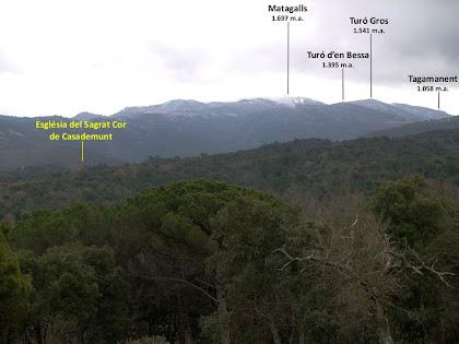 Panoràmica del Montseny amb el Matagalls i el Tagamanent des del Club de Golf