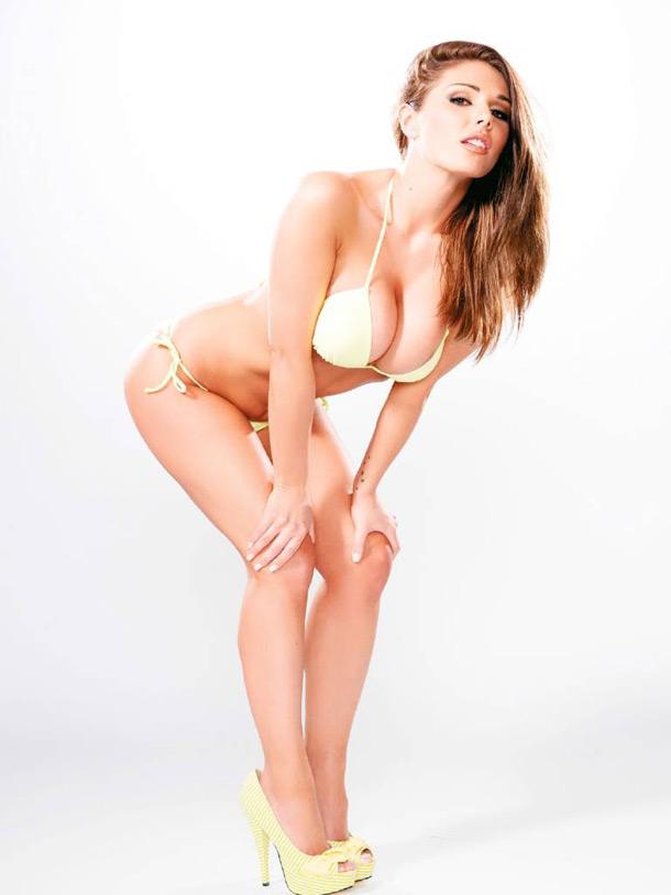 As fotos mais sensuais de Lucy Pinder