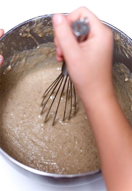 banana bread mixing