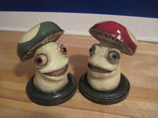 12-Mario-Mushrooms-Deanna-Molinaro-aka-Chickenshoot-Odd-Clay-Sculptures-www-designstack-co