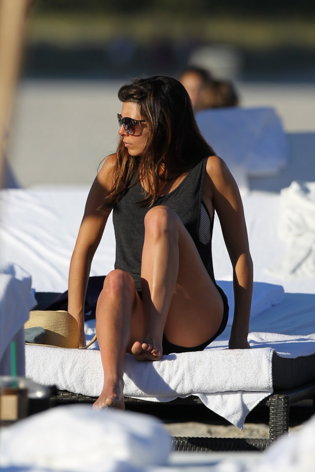 http://3.bp.blogspot.com/-6EW8RfOtKUw/Tv_jV5Aev-I/AAAAAAAAUaQ/WuzPDad_Ysw/s1600/25801_Jamie_Lynn_Sigler_Candids_on_the_Beach_in_Miami_December_30_2011_04_122_440lo.jpg
