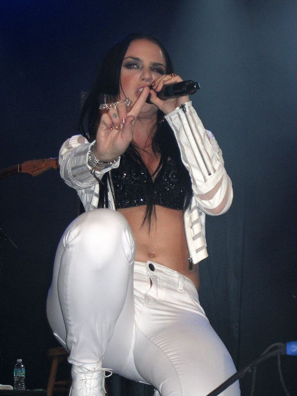 JoJo Performs Live in Orlando