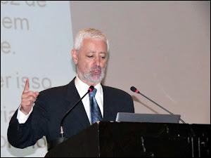 Dr. ANTÓNIO SAMPAIO DA NÓVOA