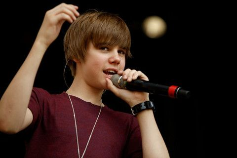 Justin Bieber Autobiography on Justin Bieber Biography   Fashion And Styles