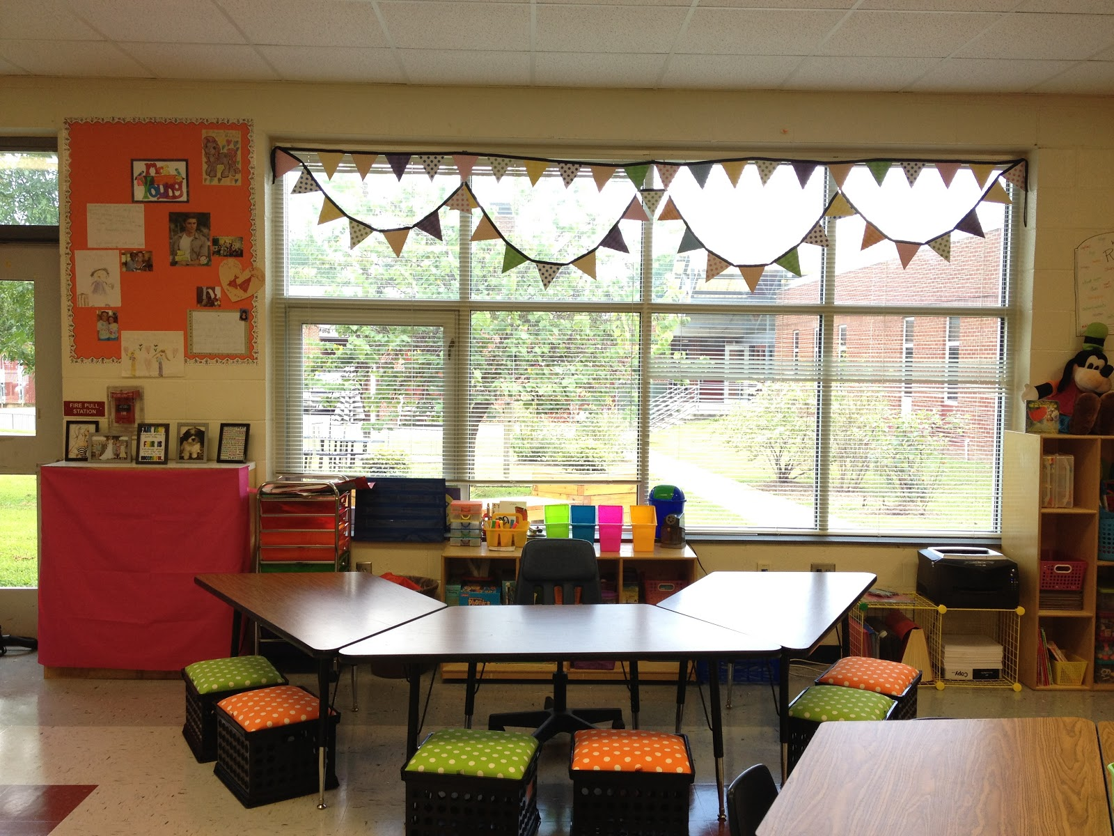 Little Miss Glamour Goes To Kindergarten Classroom Set Up