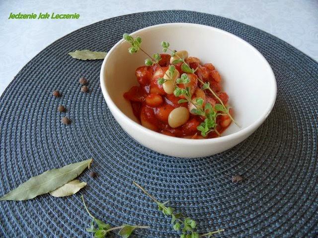 majeranek,pomidory, pomidor w puszce, fasola karłowata, jas , jak gotowac straczki, szybki obiad, majeranke, kiedy dodac majeanek