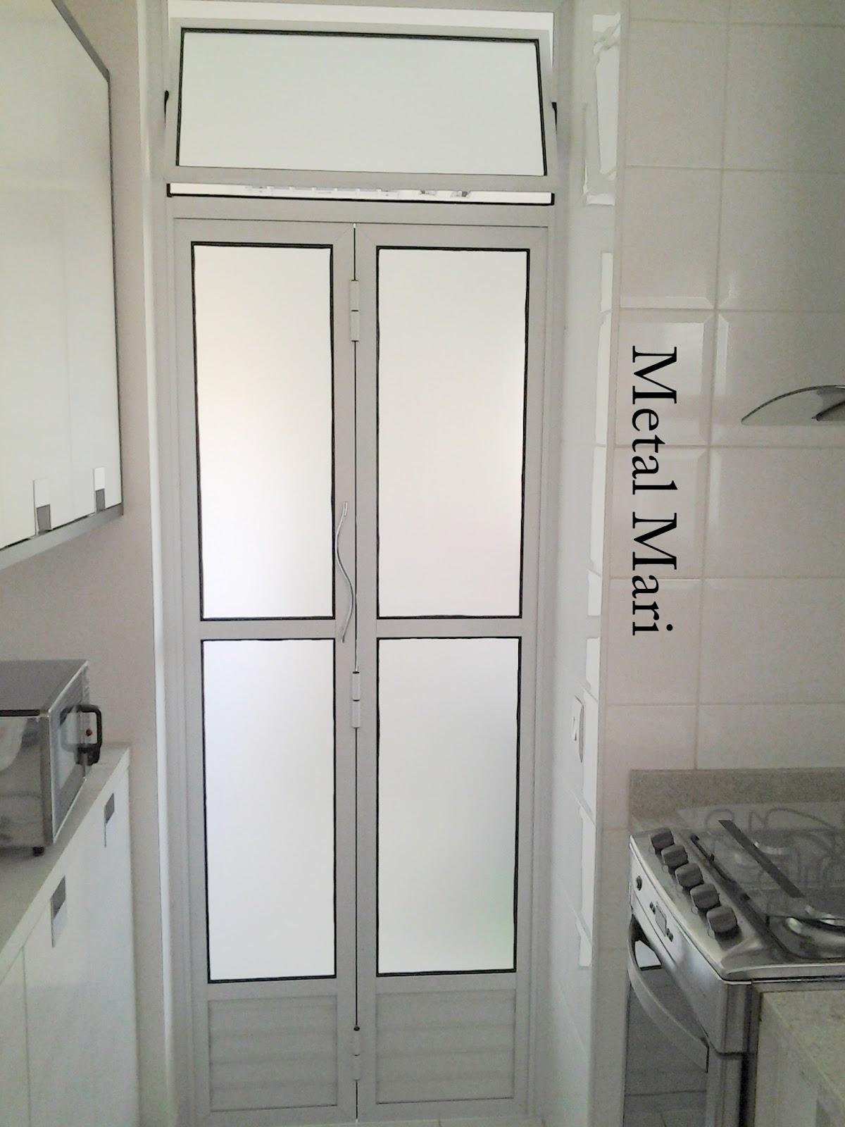 #6E675D colocamos a parte do vidro liso para cozinha para facilitar a limpeza 1114 Portas E Janelas De Aluminio Para Cozinha