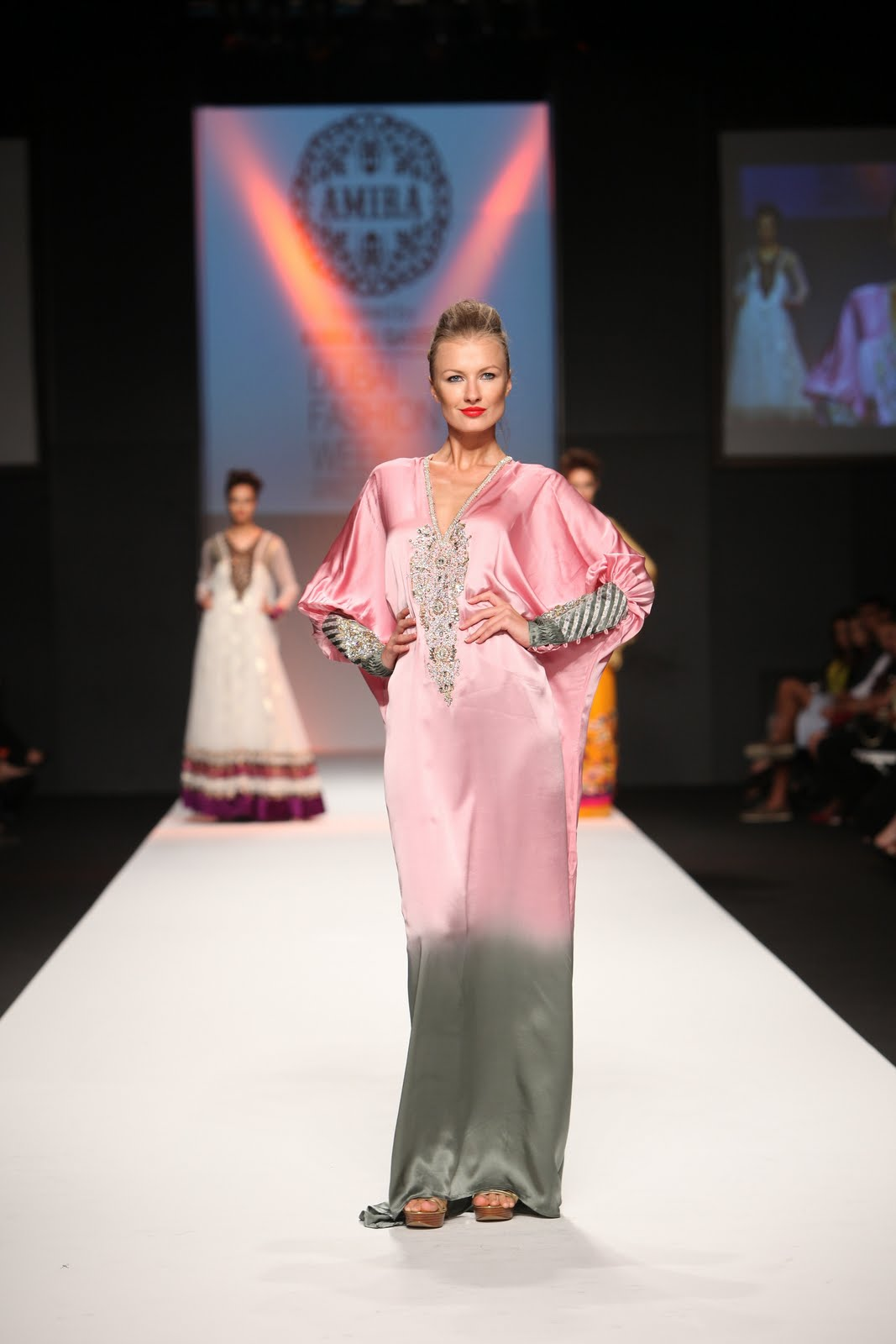 De Tripaz Corazon Ameera Aamer Dubai Fashion Week