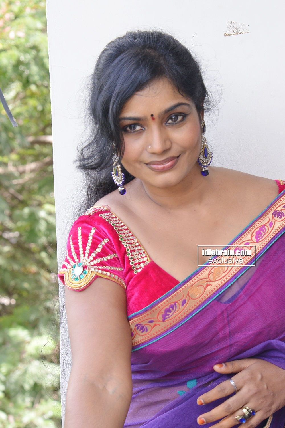 actress largest navel,cleavage,hip,waist photo collections ...