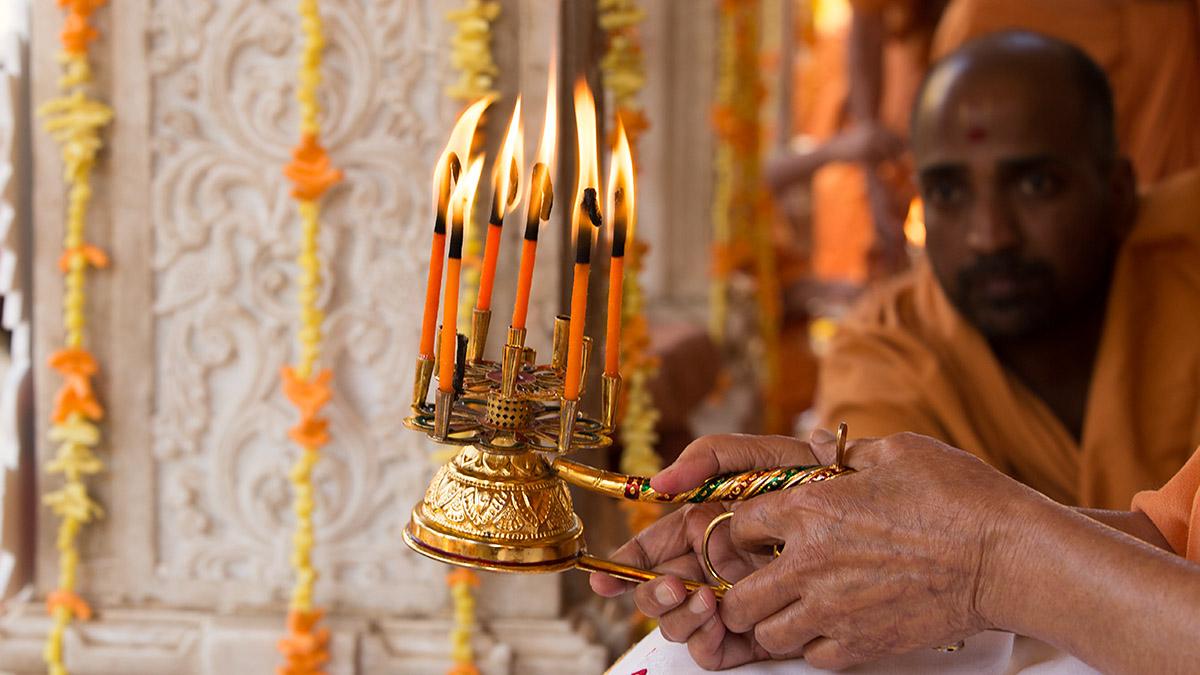Shreeswaminarayanbhagwan new year celebrations with for Annakut decoration ideas