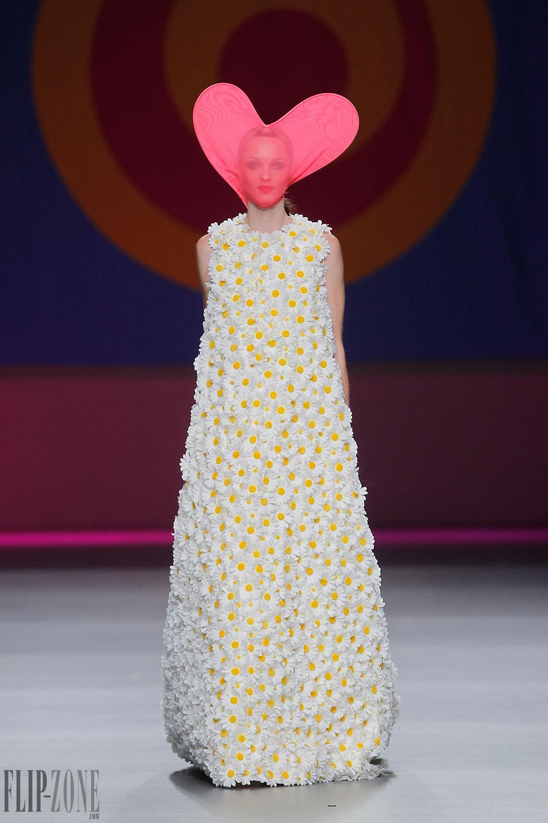 Honey Buy: Agatha Ruiz de la Prada wedding dresses