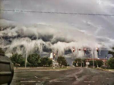 Awan Berbentuk Tsunami Di Virginia