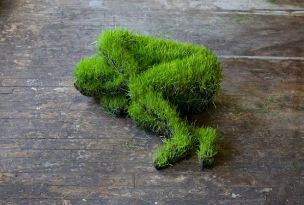 Grass sculptures by Mathilde Roussel