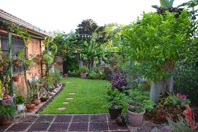 Gambar Taman Di Depan Rumah