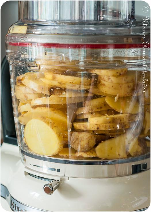 Kartoffeln mit der höhenverstellbaren Schneidscheibe geschnitten