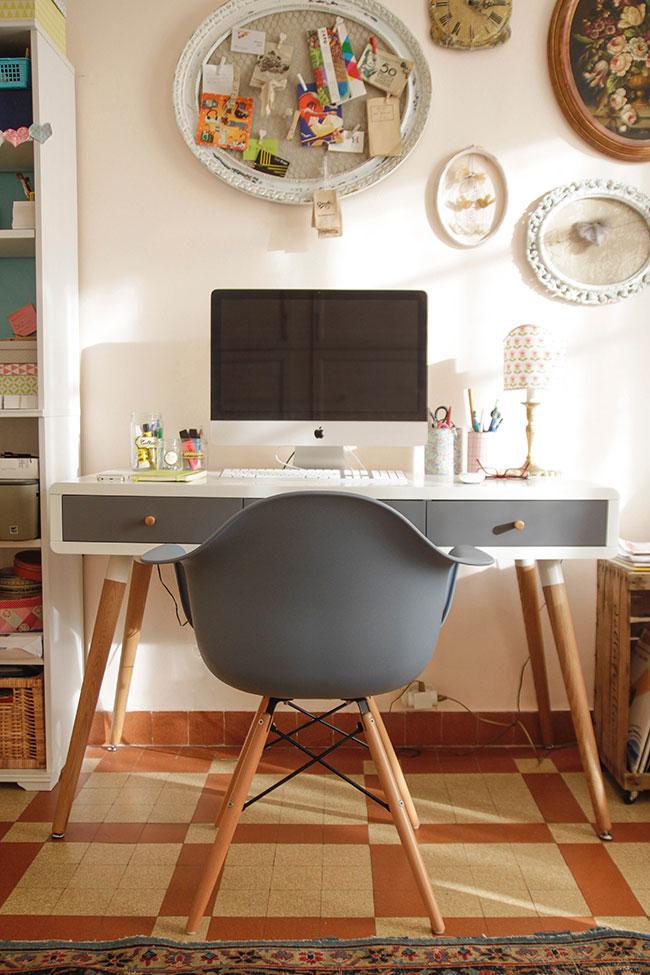 Il mio nuovo angolo ufficio in stile anni 39 50 la gatta for Scrivania ufficio anni 50