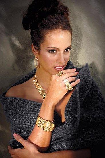 Fashionable Hairs Jennifer Lopez on Lookbook Collection Fall 2011 - 29