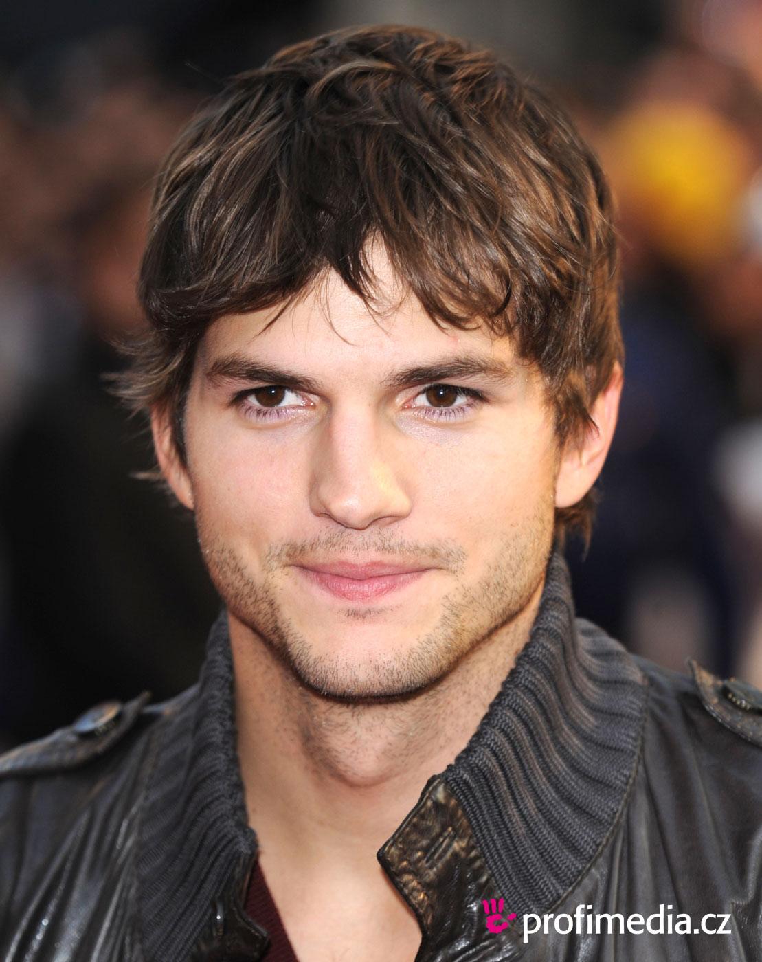 http://3.bp.blogspot.com/-6H0aruXu_rc/TpWFdDIeESI/AAAAAAAAAGc/EOEcz2eyt1w/s1600/kutcher2n308.jpg