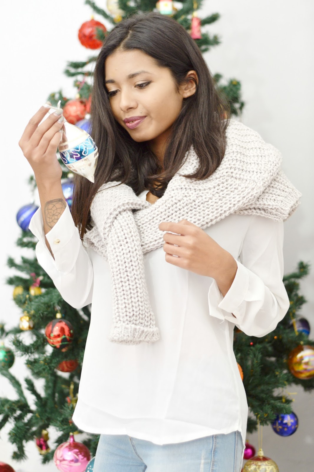 christmas tree decoration gray sweater outfit