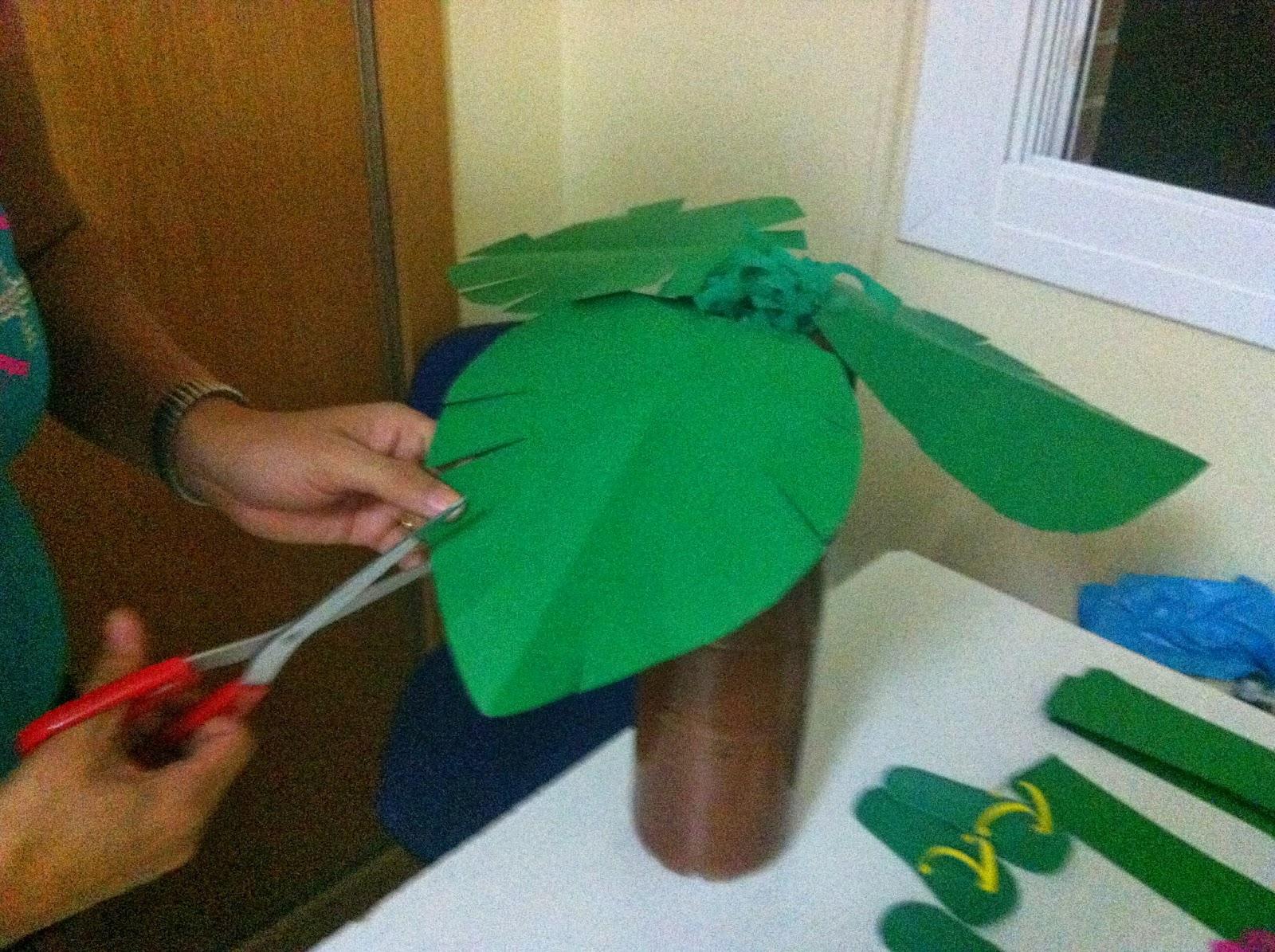 C mo se hace paso a paso decoraci n fiesta hawaiana - Como hacer una palmera artificial ...