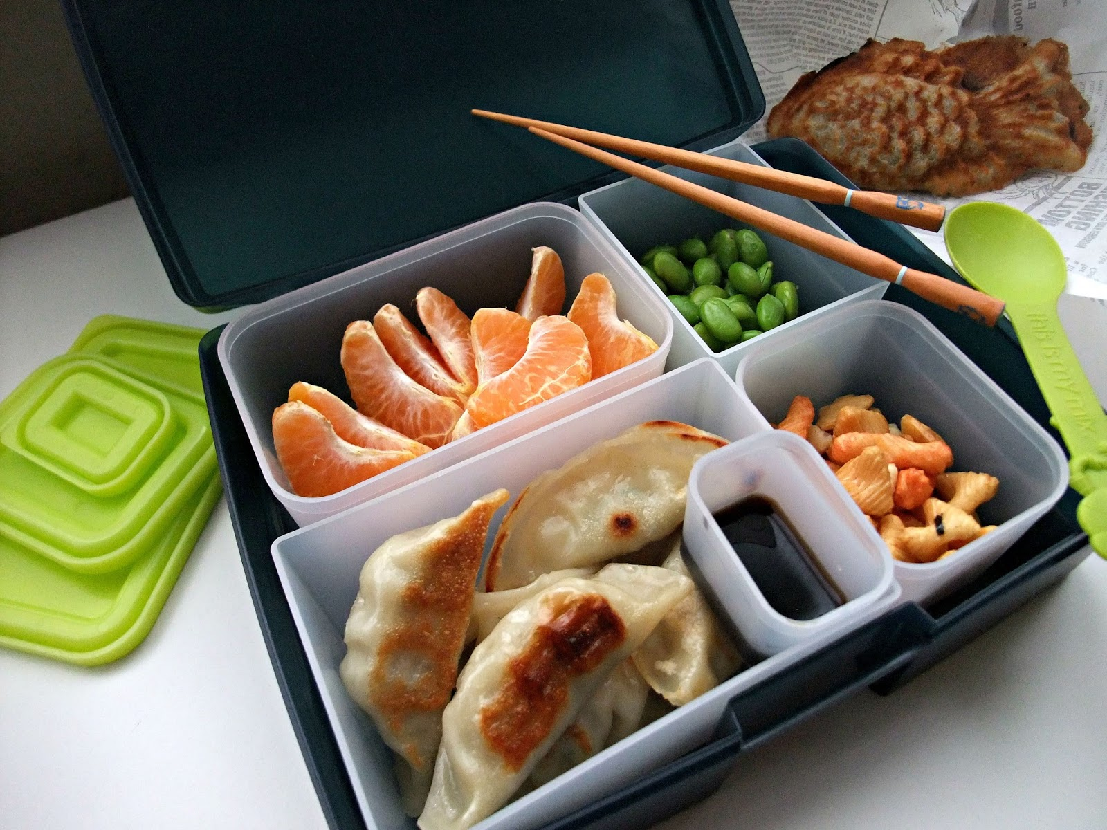 susan 39 s savour it packed lunch series challenge 4 compartmentalize. Black Bedroom Furniture Sets. Home Design Ideas