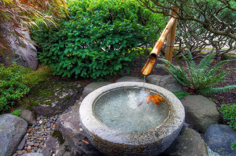 Wonderful garden geography 15 pics curious funny for Japanese water feature