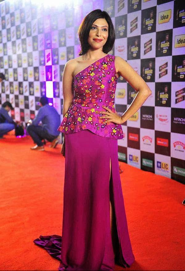 Shilpa Shukla at Mirchi Music Awards 2014