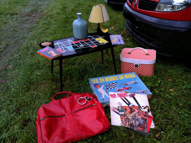 vintage red vinyl bag , records , ceramic , candlestick , 50s table 1950 1960 60s 1970 70s game les 24 heures du mans orange gingham
