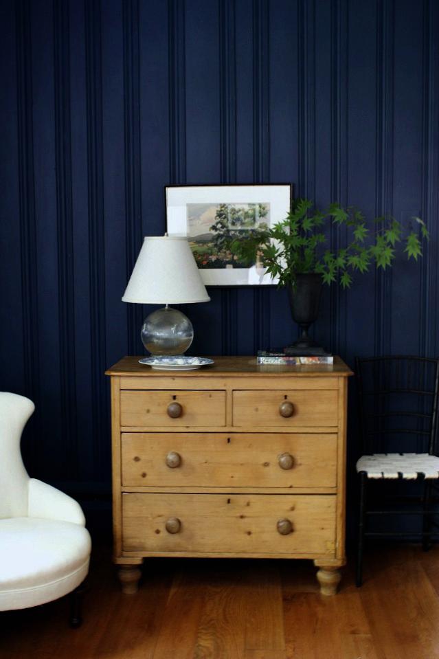 meet me in philadelphia all the den details. Black Bedroom Furniture Sets. Home Design Ideas