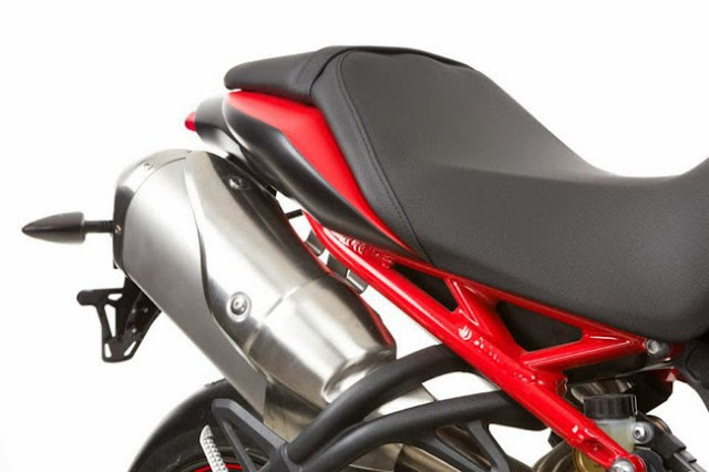 motonhapkhau Triumph Speed Triple R Dark 2013+%252813%2529