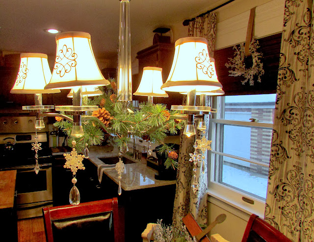 Holiday Home Tour - Decorating for Christmas