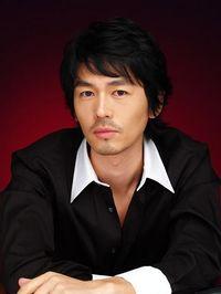 Biodata Jo Yun Woo Pemeran Hwang Woo Jin