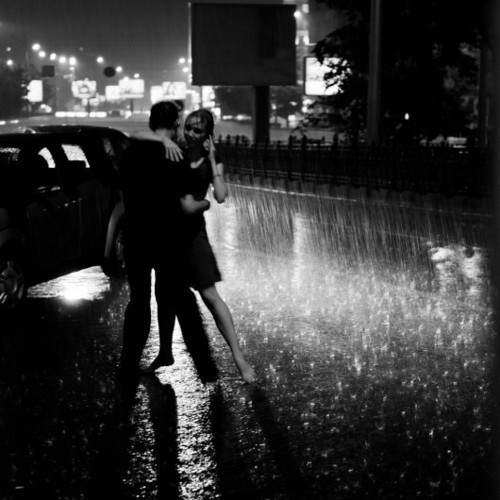 Romantic Side Of The World: Dancing In The Rain: romanticsideoftheworld.blogspot.com/2013/05/dancing-in-rain.html