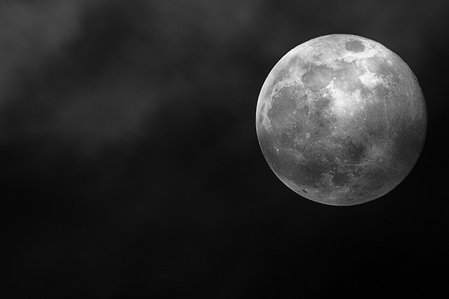 Beautiful sample Photography of the Moon