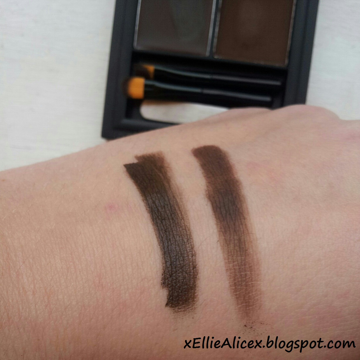 Ellie Alice: Sleek | Brow Kit in 'Extra Dark' Review & Swatches