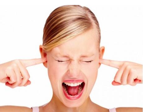 Bị viêm mũi dị ứng xì mũi ra máu phải điều trị ra sao?