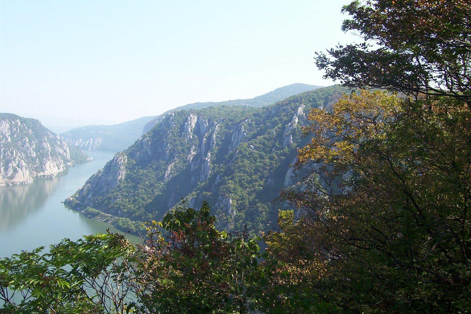 Cazanele Mari vazute de pe Ciucaru Mare