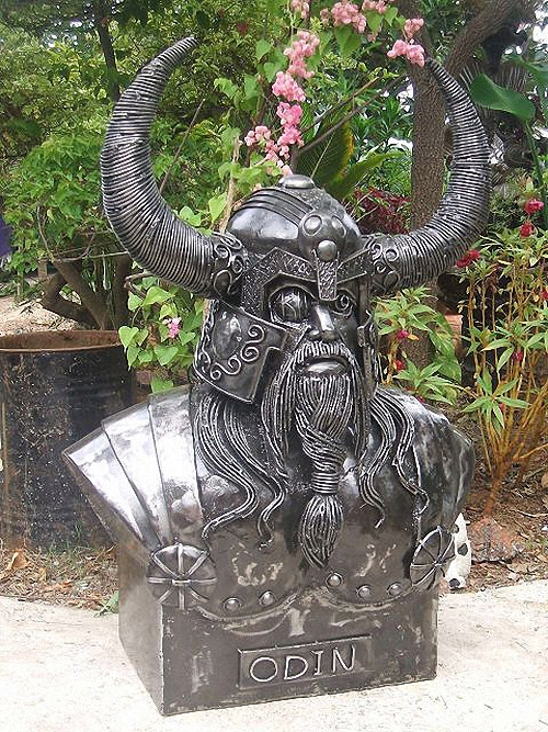 06-Fantasy-Sculpture-Norse-North-Gods-Odin-Giganten-Aus-Stahl