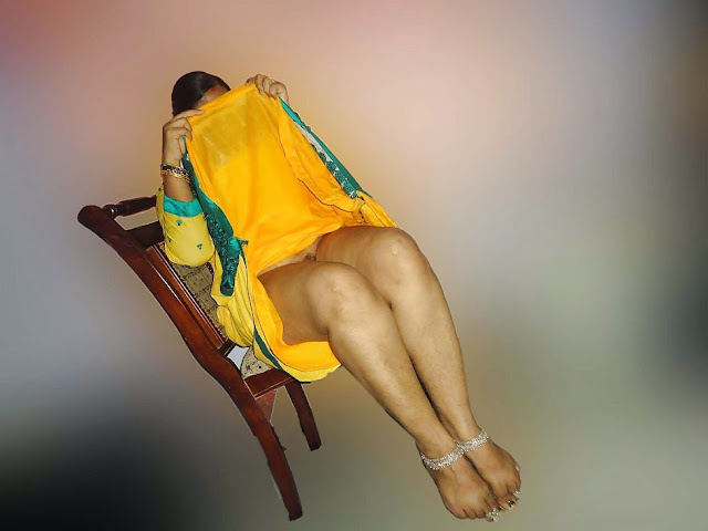 aunty nude thigh showing yellow salwar in her bedroom