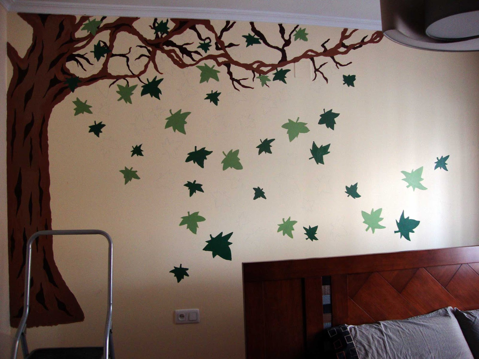 Lo que me sale del lapicero mural pintado con acr lico - Pintar paredes con dibujos ...
