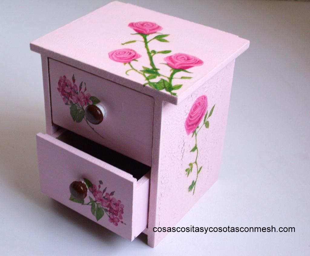 Regalos en decoupage cositasconmesh for Decoupage con servilletas en muebles