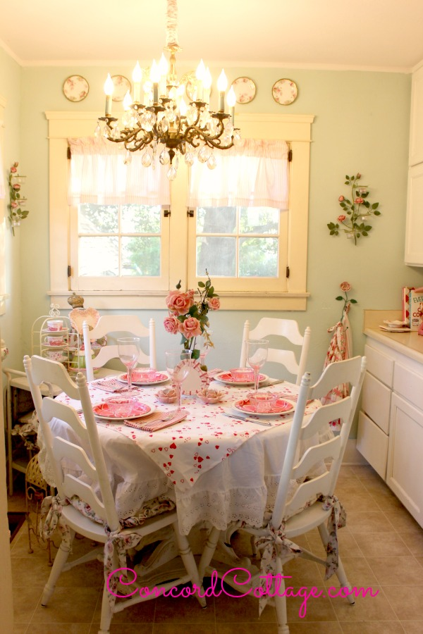 Concord Cottage- Valentine Tablecloth Tutorial-Treasure Hunt Thursday- From My Front Porch To Yours