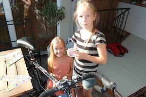The girls pimping my bike