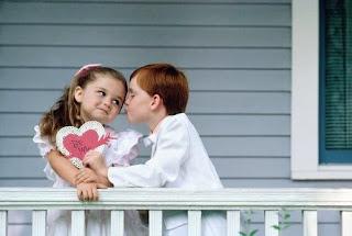 صورة حب اطفال