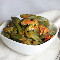 Okra-curry-recipe-chili-powder-turmeric-garam-masala-torviewtoronto-asian