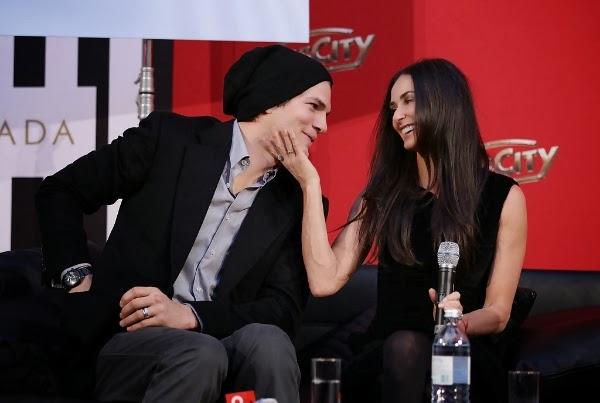 Demi Moore y Ashton Kutcher oficialmente divorciados