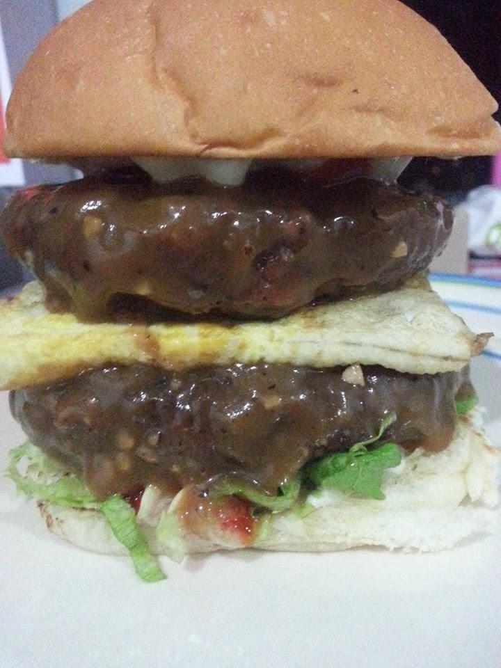 burger,western food,de perahu cafe